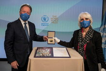 Mr. David Beasley, Executive Director of the United Nations World Food Programme received the Nobel Peace Prize awarded to WFP in 2020. Ms. Lisa Pelletti Clark Co-President, International Peace Bureau Nobel Peace Laureate 1910 delivered the prize on behalf of the Nobel Peace Prize Committee.  Photo: WFP/Rein Skullerud